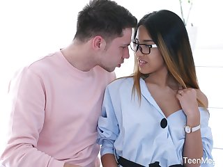 Libidinous babe regarding glasses Roxy Lips is fucked regarding her tight anal space