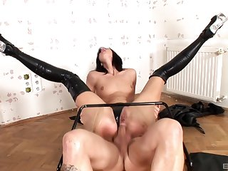 Dominant Bailee wants in all directions carpet her lover with BDSM sex joke