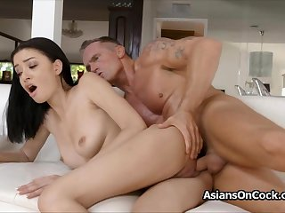 Perky Scarlett Bloom loves a good unending fuck