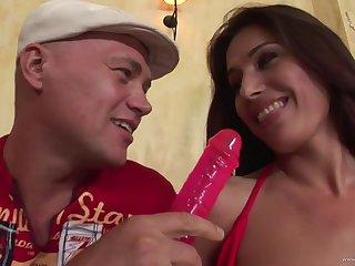 Astonishing tanned chick Linda Brown - hungarian babe porn
