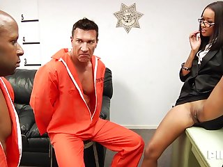 Prisoners Have Sex Exciting Inspector - ANALDIN