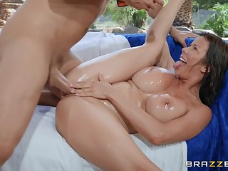 Close up missionary fucking with MILF Alexis Fawx ends with a facial