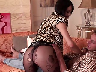 Short haired brunette in lingerie impales her ass on a dig up