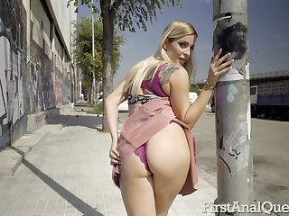 Curvy spoil loves flashing their way ass in public and she loves anal mating a number