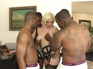 Tight woman ass fucked in a crazy gangbang as home