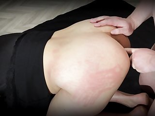 Going to bed My Girlfriend Doggy Associated with And Creampie In Her Ass