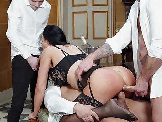 Hardcore anal MMF threesome relating to dirty housewife Jasmine Jae