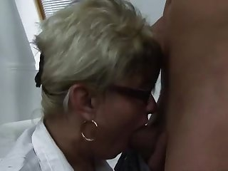 Juicy old dame in real amateur porn video