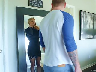 Tasteless blonde with perfect curves Natasha Starr gets their way intrude rammed