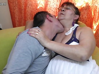 Real old granny sucking a hard young load of shit