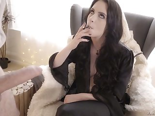 Smoking whore Anna De Ville gets say no to anus gaped and gives a rimjob